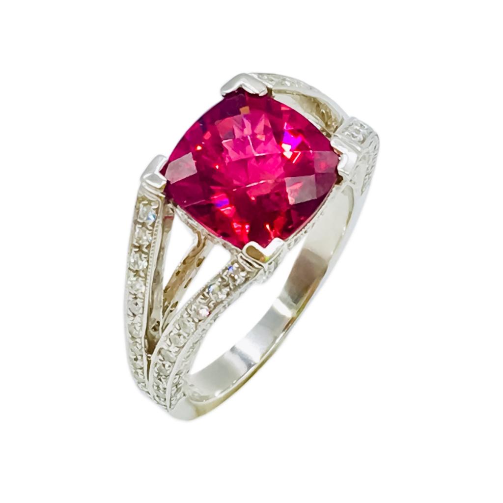 Платиновое кольцо с Рубеллитом и Бриллиантами-2