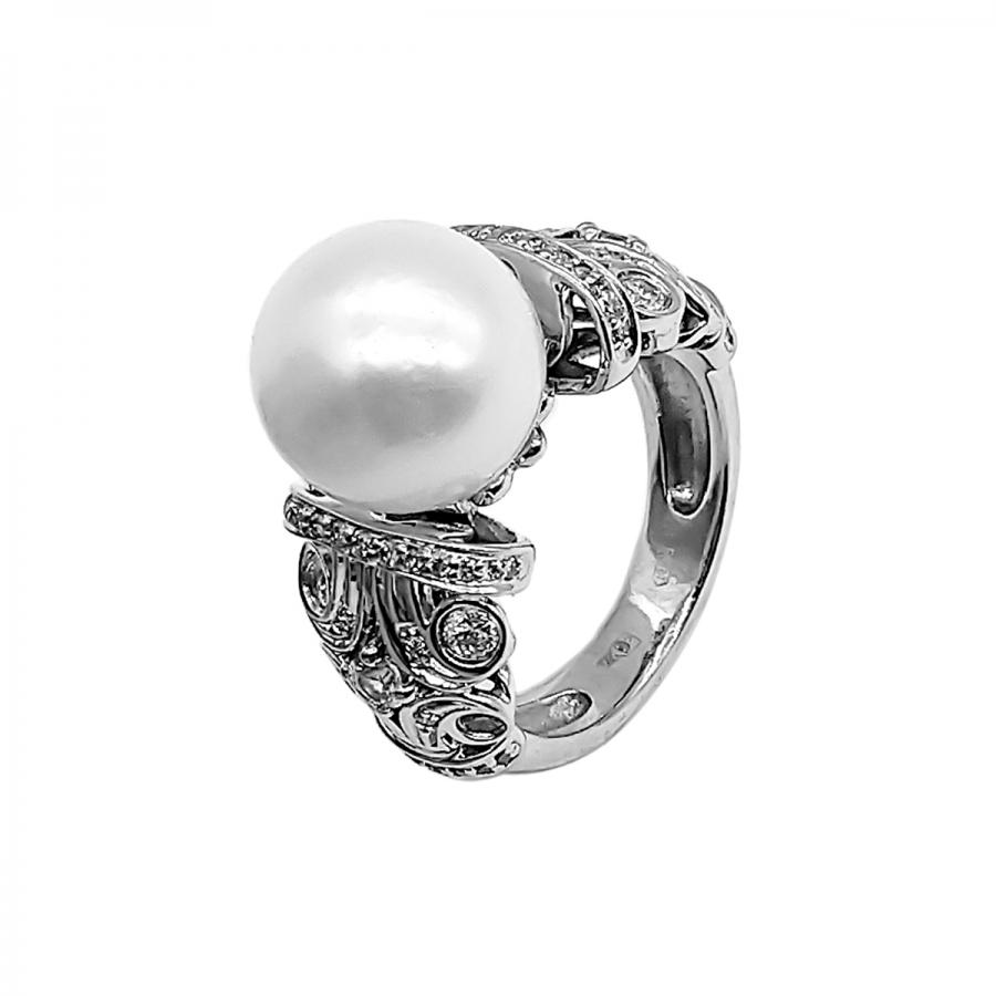 Золотое кольцо с жемчугом и бриллиантами 16,0 р-р-1