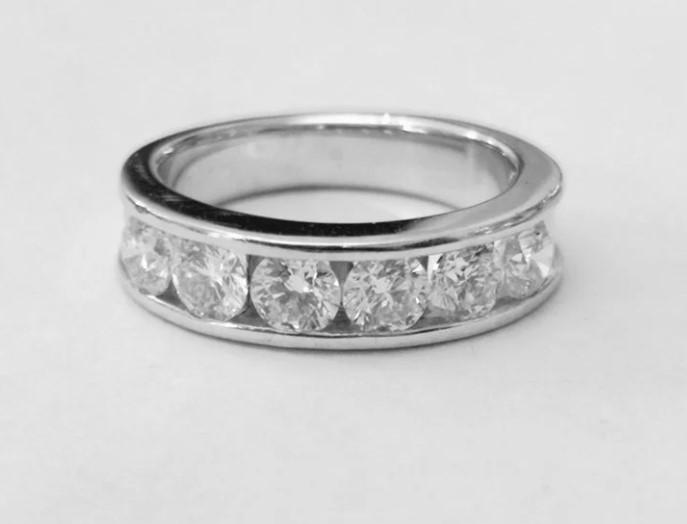 Золотое кольцо с бриллиантами 1,73ct-45