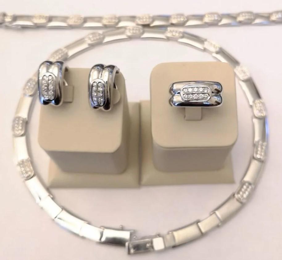Золотой комплект с бриллиантами-39