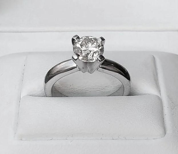 Золотое кольцо с бриллиантом 1,023 ct-28