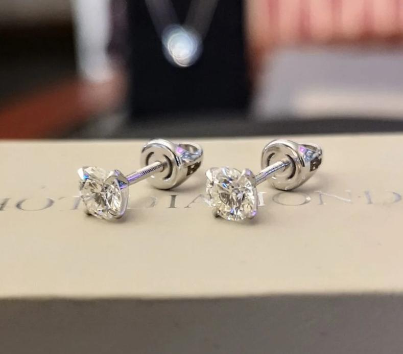 Новые серьги пусеты с бриллиантами-18