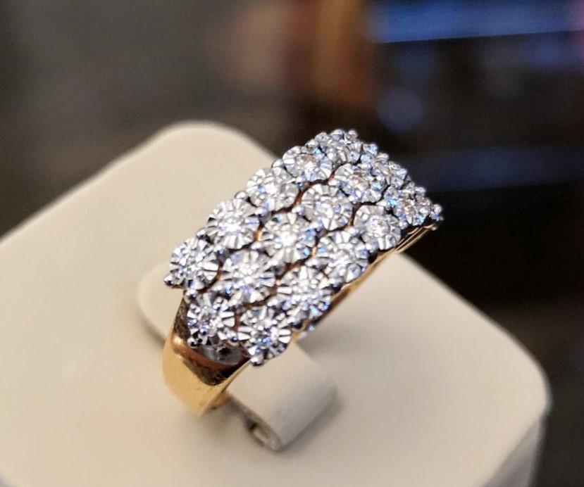 Золотое кольцо с бриллиантами-16