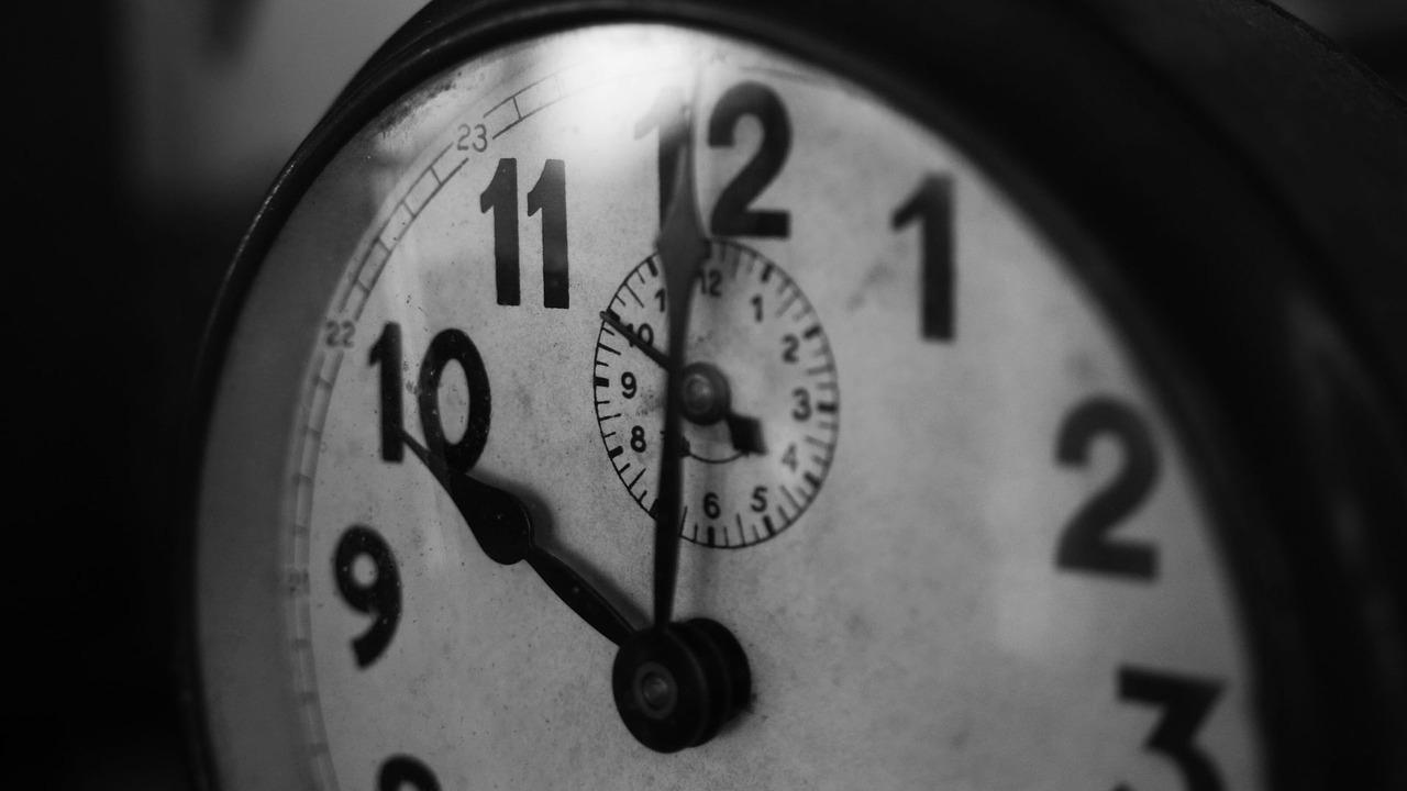 Повторяющееся время на часах. Что значат одинаковые цифры?