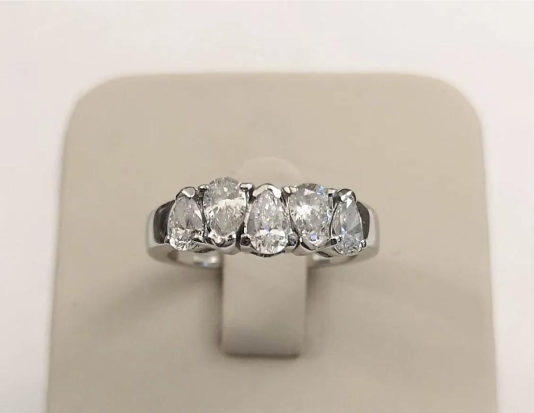 Золотое кольцо с бриллиантами 0,99 ct-2